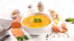 recept-zoete-aardappelsoep-gezond-weekmenu